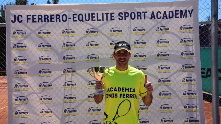 Campeón ITF S200 IX  Juan Carlos Ferrero Open